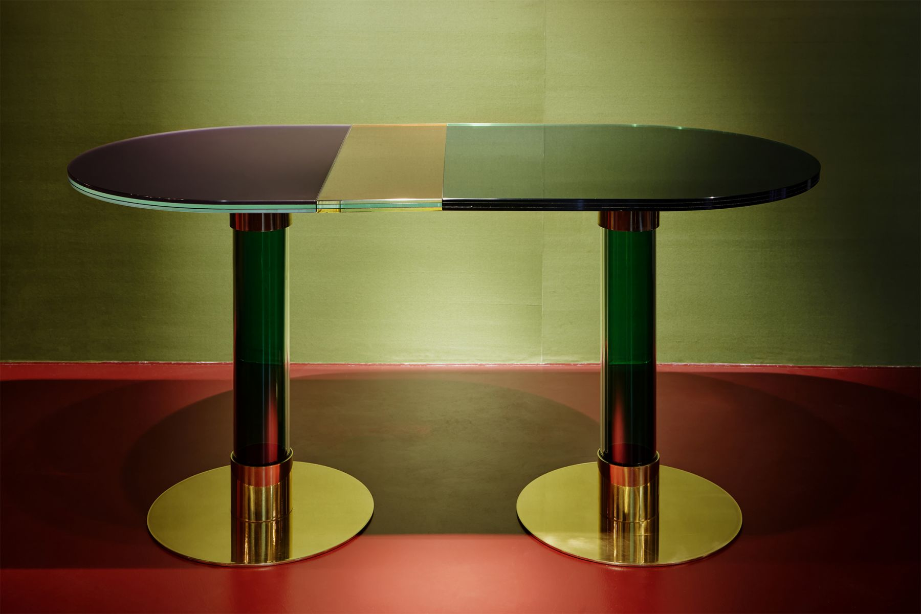 Oval table India Mahdavi pic-1