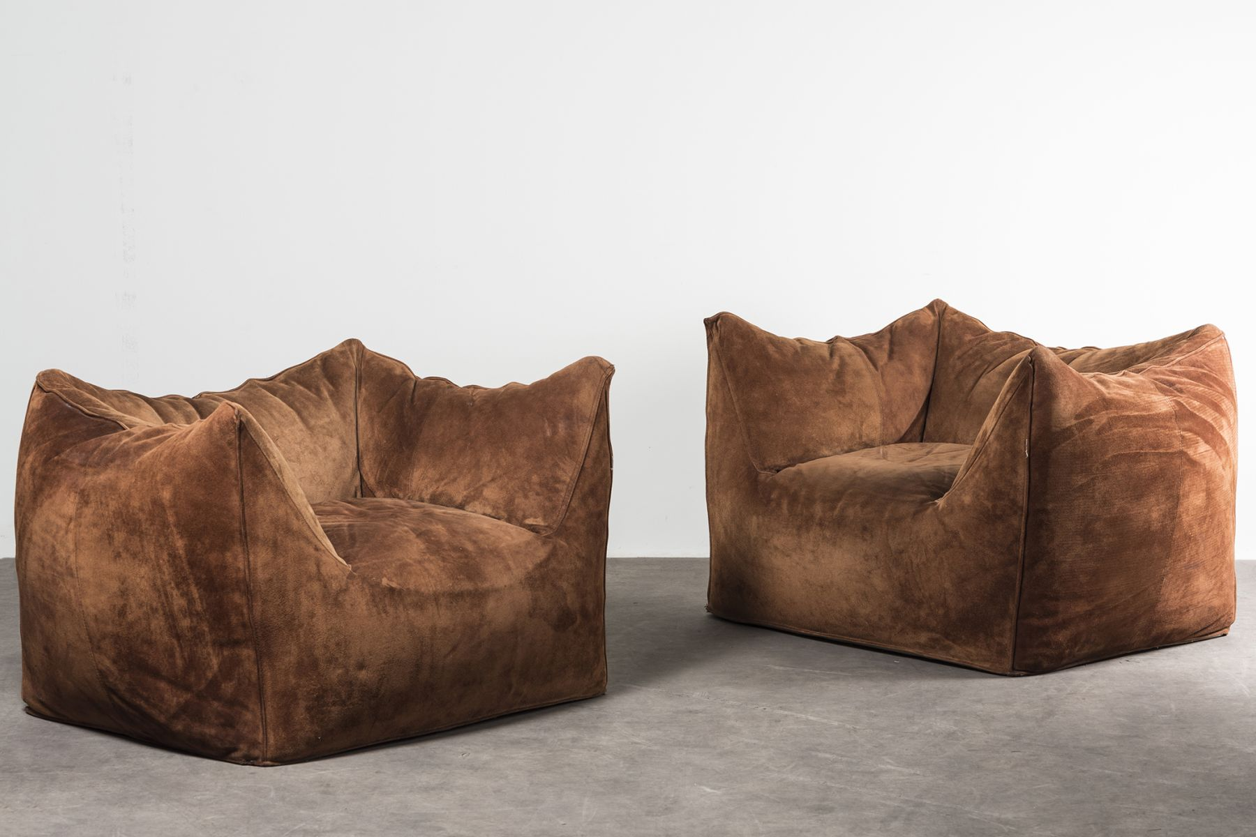 'Le Bambole' armchairs with armrests  Mario Bellini pic-1