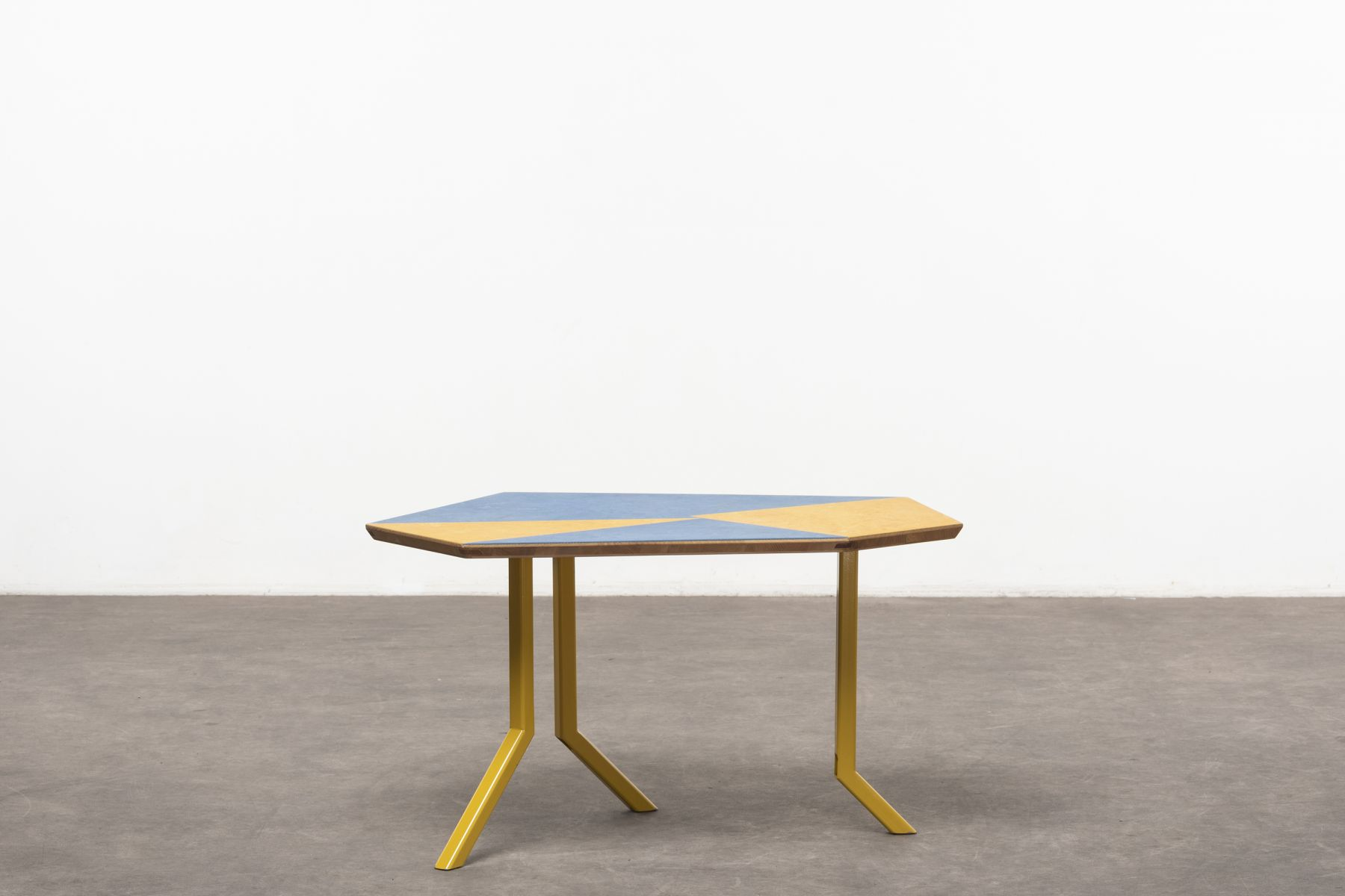 Off‐Cut low table Martino Gamper pic-1